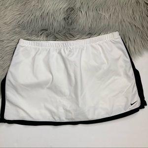Nike White & Black Skort